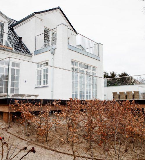 montering af skruefundamenter i Ølstykke på Sjælland